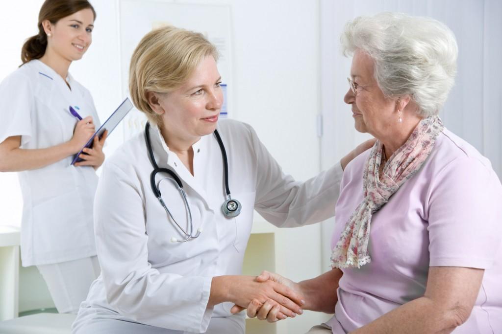 در صورت تجربه ی درد قلبی سریعا به اولین مرکز درمانی در دسترس خود مراجعه کنید.